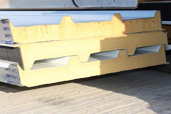 Sandwichplatten fürs Dach